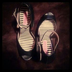 betsey johnson peeptoe power heels